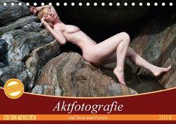 Aktfotografie auf Stein und FelsenCH-Version (Tischkalender 2018 DIN A5 quer) von Geiser,  Judith
