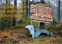 BILKYRKOGÅRDEN Der Autofriedhof im Kyrkö Mosse (Wandkalender 2019 DIN A3 quer) von Klein,  Harald