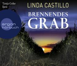 Brennendes Grab von Augustin,  Helga, Castillo,  Linda, Geke,  Tanja