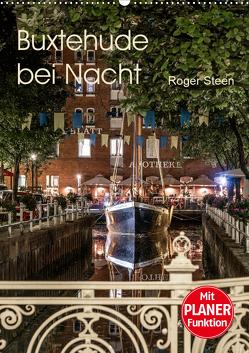 Buxtehude bei Nacht (Wandkalender 2021 DIN A2 hoch) von Steen,  Roger