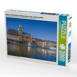 CALVENDO Puzzle Hafen von Stockholm mit historischem Hotel und Fährschiffen 2000 Teile Lege-Größe 90 x 67 cm Foto-Puzzle Bild von Christian Müringer