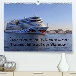 Cruiseliner in Warnemünde (Premium, hochwertiger DIN A2 Wandkalender 2021, Kunstdruck in Hochglanz) von le Plat,  Patrick