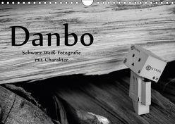 Danbo – Schwarz-Weiß Fotografie mit Charakter (Wandkalender 2018 DIN A4 quer) von Moßhammer,  Natalie