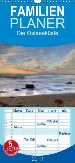 Die Ostseeküste – Familienplaner hoch (Wandkalender 2019 , 21 cm x 45 cm, hoch) von Deter,  Thomas