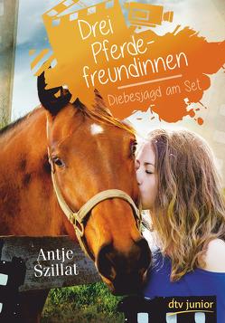Drei Pferdefreundinnen – Diebesjagd am Set von Szillat,  Antje