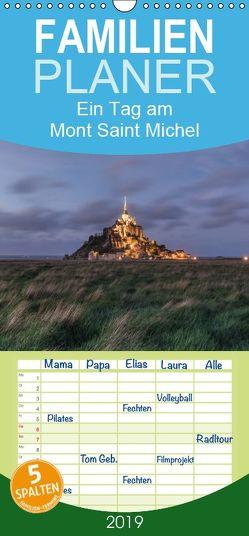 Ein Tag am Mont Saint Michel – Familienplaner hoch (Wandkalender 2019 , 21 cm x 45 cm, hoch) von photography,  romanburri