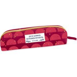 Etui – All about red