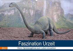 Faszination Urzeit – wenn Spielzeugdinos zum Leben erwachen (Wandkalender 2021 DIN A2 quer) von Bartruff,  Thomas