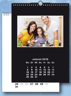 Fotokalender und Bastelkalender 2018 schwarz weiss matt, fuer Bilder 10×15 cm Hoch und Quer. 13 Blatt im Format 19×25 cm.