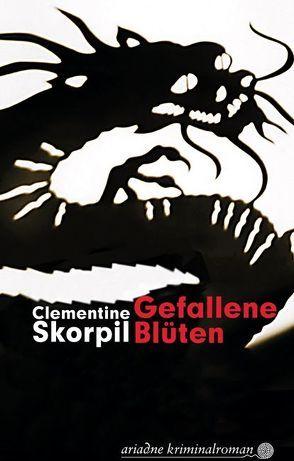 Gefallene Blüten von Skorpil,  Clementine