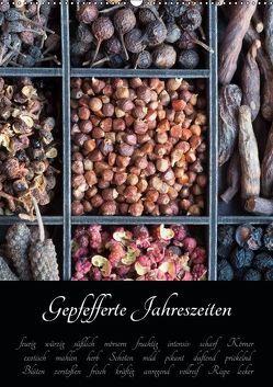 Gepfefferte Jahreszeiten (Wandkalender 2019 DIN A2 hoch) von Schlossherr,  Xenia