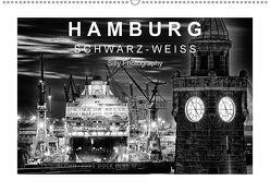 Hamburg in schwarz-weiss (Wandkalender 2018 DIN A2 quer) von Photography,  Silly