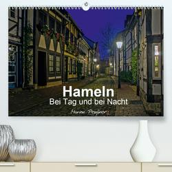 Hameln bei Tag und bei Nacht (Premium, hochwertiger DIN A2 Wandkalender 2021, Kunstdruck in Hochglanz) von Peußner,  Marion