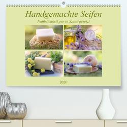 Handgemachte Seifen – Natürlichkeit in Szene gesetztAT-Version (Premium, hochwertiger DIN A2 Wandkalender 2020, Kunstdruck in Hochglanz) von Riedel,  Tanja