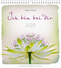 Ich bin bei dir 2020 – Postkartenkalender von Young,  Sarah