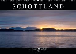 Im Hochland Schottlands (Wandkalender 2019 DIN A2 quer) von Mikulsky,  Michael