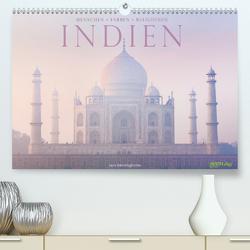 Indien: Menschen • Farben • Religionen (Premium, hochwertiger DIN A2 Wandkalender 2021, Kunstdruck in Hochglanz) von Benninghofen,  Jens