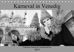 Karneval in Venedig – Schwarzweiss (Tischkalender 2019 DIN A5 quer) von Riedmiller,  Andreas