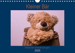 Kleiner Bär versteckt sich gern.AT-Version (Wandkalender 2020 DIN A4 quer) von Altenburger,  Monika