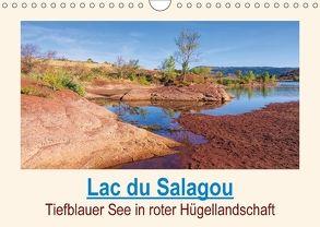 Lac du Salagou – Tiefblauer See in roter Hügellandschaft (Wandkalender 2018 DIN A4 quer) von LianeM
