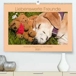 Liebenswerte Freunde – Azawakh-Ridgeback mit Teddys (Premium, hochwertiger DIN A2 Wandkalender 2021, Kunstdruck in Hochglanz) von Bölts,  Meike