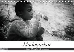Madagaskar: Alltag, Menschen und Momente (Tischkalender 2018 DIN A5 quer) von Schade,  Teresa