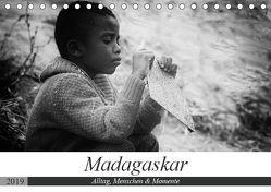 Madagaskar: Alltag, Menschen und Momente (Tischkalender 2019 DIN A5 quer) von Schade,  Teresa