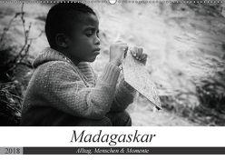 Madagaskar: Alltag, Menschen und Momente (Wandkalender 2018 DIN A2 quer) von Schade,  Teresa