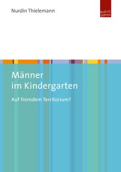 Männer im Kindergarten von Thielemann,  Nurdin