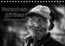 Menschen Afrikas schwarzweiß (Tischkalender 2020 DIN A5 quer) von Voss,  Michael