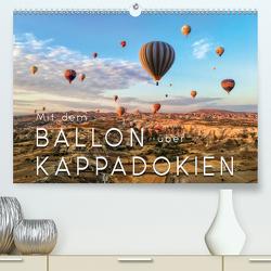 Mit dem Ballon über Kappadokien (Premium, hochwertiger DIN A2 Wandkalender 2021, Kunstdruck in Hochglanz) von Roder,  Peter