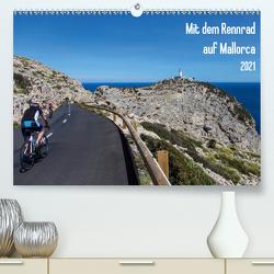 Mit dem Rennrad auf MallorcaAT-Version (Premium, hochwertiger DIN A2 Wandkalender 2021, Kunstdruck in Hochglanz) von Poul,  Herbert