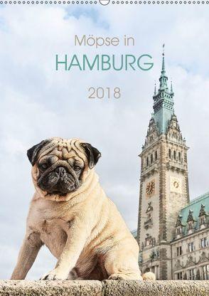 Möpse in Hamburg (Wandkalender 2018 DIN A2 hoch) von und Julia Dodeck,  Ole