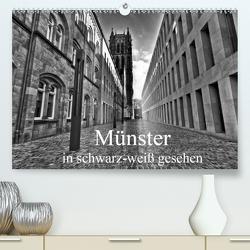 Münster in schwarz-weiß gesehen (Premium, hochwertiger DIN A2 Wandkalender 2021, Kunstdruck in Hochglanz) von Michalzik,  Paul