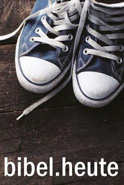 NeÜ bibel.heute -Taschenausgabe- Motiv Schuhe