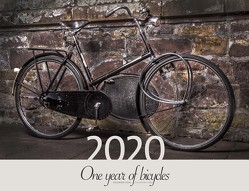 One year of bicycles 2020 von Rüssmann,  Peter