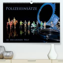 Polizeieinsätze, in der großen Welt (Premium, hochwertiger DIN A2 Wandkalender 2020, Kunstdruck in Hochglanz) von Rochow,  Holger