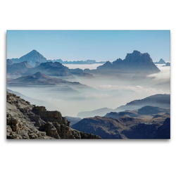 Premium Textil-Leinwand 120 x 80 cm Quer-Format Der Monte Antelao (3264 m) und der Monte Pelmo (3168 m) erheben sich über ein Wolkenmeer in den Dolomiten des Veneto | Wandbild, HD-Bild auf Keilrahmen, Fertigbild auf hochwertigem Vlies, Leinwanddruck von Martin Zwick