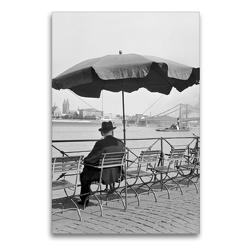 Premium Textil-Leinwand 60 x 90 cm Hoch-Format Ein Mann sitzt am Altstadtufer in Köln,1930er Jahre   Wandbild, HD-Bild auf Keilrahmen, Fertigbild auf hochwertigem Vlies, Leinwanddruck von United Archives / Karl Heinrich Lämmel