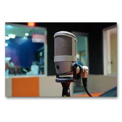 Premium Textil-Leinwand 90 x 60 cm Quer-Format Achtung Aufnahme! – Mikrofon im Tonstudio | Wandbild, HD-Bild auf Keilrahmen, Fertigbild auf hochwertigem Vlies, Leinwanddruck von Renate Bleicher