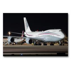 Premium Textil-Leinwand 90 x 60 cm Quer-Format B747-8 der Qatar Amiri Flight A7-HBJ nach der Landung aus Doha   Wandbild, HD-Bild auf Keilrahmen, Fertigbild auf hochwertigem Vlies, Leinwanddruck von Rainer Spoddig