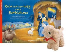 Rica auf dem Weg nach Bethlehem mit Stoffschaf von Ignjatovic,  Johanna, Wilhelm,  Katharina