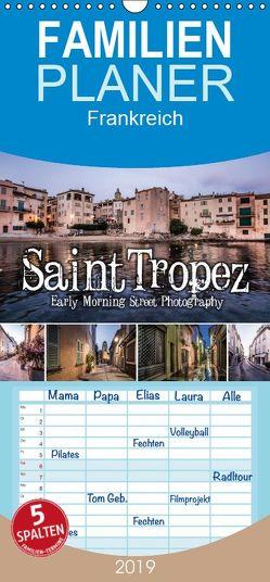 Saint Tropez – Early Morning Street Photography – Familienplaner hoch (Wandkalender 2019 , 21 cm x 45 cm, hoch) von Korte,  Niko