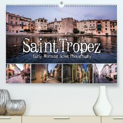 Saint Tropez – Early Morning Street Photography (Premium, hochwertiger DIN A2 Wandkalender 2021, Kunstdruck in Hochglanz) von Korte,  Niko