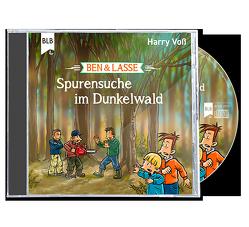 Spurensuche im Dunkelwald von Voß,  Harry