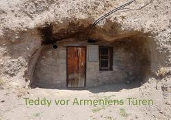 Teddy in … / Teddy vor Armeniens Türen von Merkelbach,  Helga und Teddy
