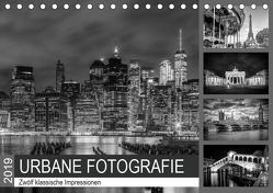 URBANE FOTOGRAFIE Zwölf klassische Impressionen (Tischkalender 2019 DIN A5 quer) von Viola,  Melanie