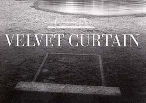 Velvet Curtain von Gauss,  Karl M, Mlineritsch,  Reinhart