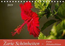 Zarte Schönheiten – Feine HibiskusblütenAT-Version (Tischkalender 2019 DIN A5 quer) von Schumann,  Bianca